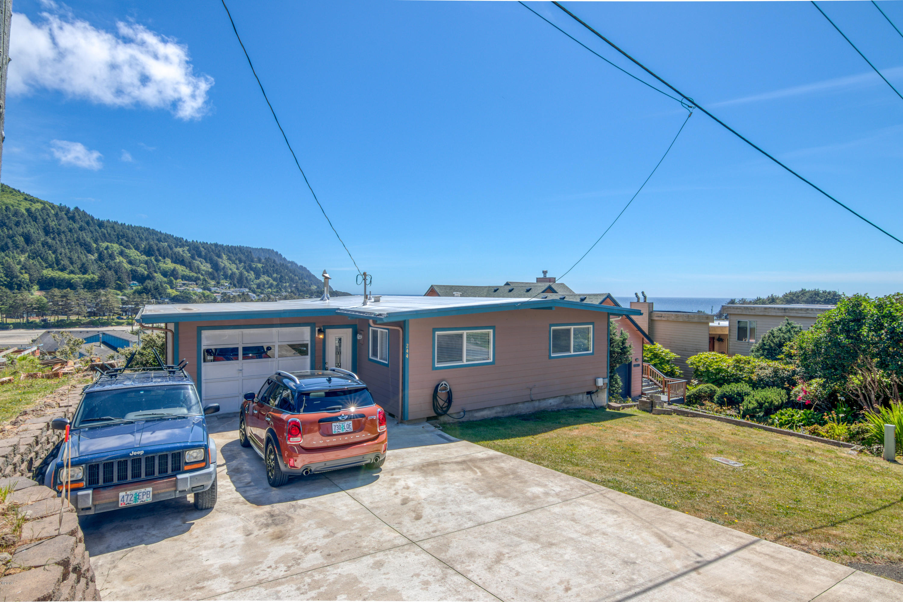 244 E 3rd St, Yachats, OR 97498 - 1-3rd St