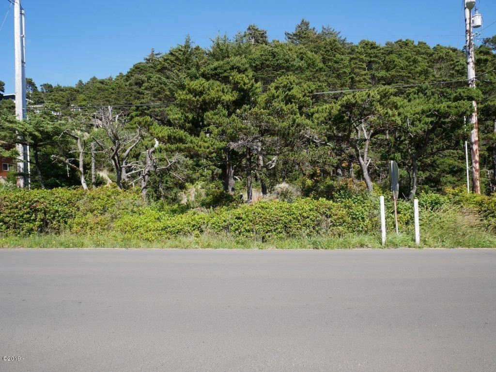 1501 NW Bayshore Dr, Waldport, OR 97394 - 1501 NW Bayshore Dr