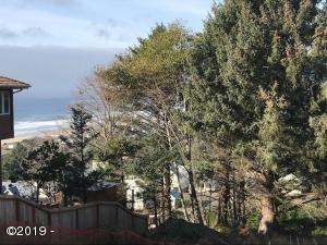 5306 NE Port Place, Lincoln City, OR 97367
