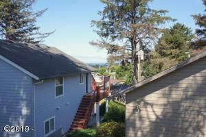 3223 NW Oar Drive, Lincoln City, OR 97367
