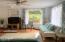 1775 NE 13th St, Lincoln City, OR 97367 - Living Room