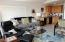 943 SW Waziyata Ave, Waldport, OR 97394 - Family Room