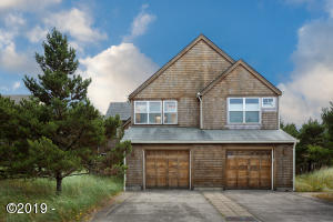 6125 Beachcomber Ln, Pacific City, OR 97135 - Front Exterior