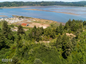 TL 500 E Alsea Hwy, Waldport, OR 97394