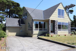 2144 NW Inlet Ave, Lincoln City, OR 97367 - Front