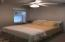 5916 SW Cupola, Newport, OR 97366 - Guest Room