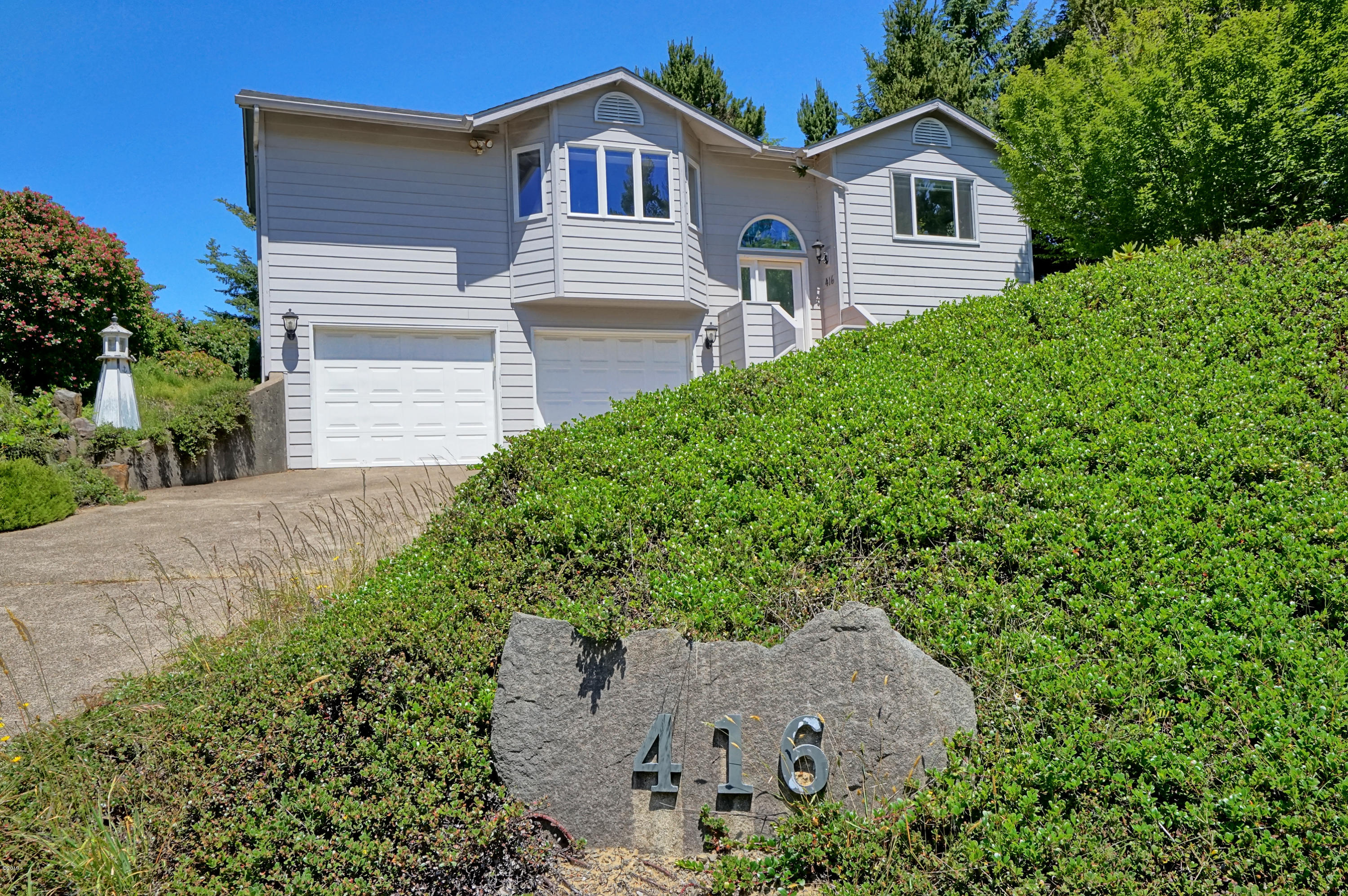 416 NW 19th St, Newport, OR 97365 - Front Elevation