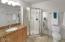 416 NW 19th St, Newport, OR 97365 - Master Bathroom