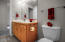 416 NW 19th St, Newport, OR 97365 - Powder Room