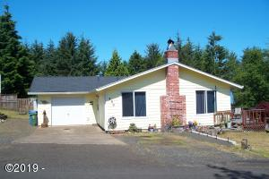 890 SE Ball Boulevard, Waldport, OR 97394 - Front of home