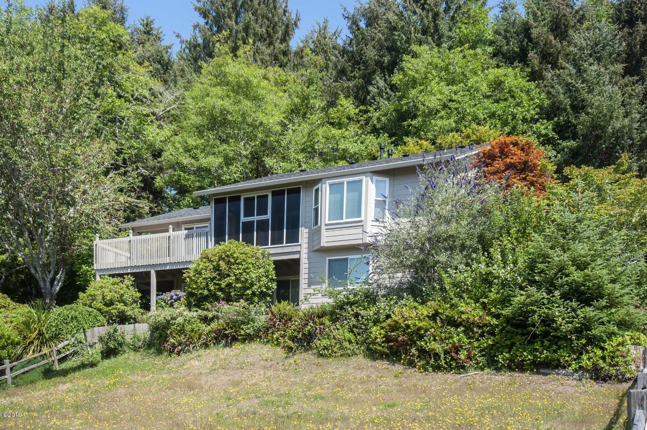 1445 NE Regatta Way, Lincoln City, OR 97367 - Exterior - View 3 (1280x850)