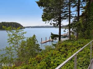 4616 Yaquina Bay Rd, Newport, OR 97365
