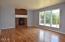 1031 NE Fogarty St, Newport, OR 97365 - Living room