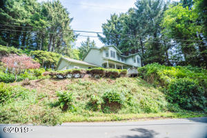 2440 NE 36th Dr, Lincoln City, OR 97367 - Two Story Home