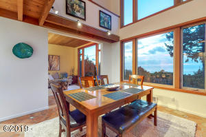 2738 SW Breakers Dr, Waldport, OR 97394 - Dinner with a View