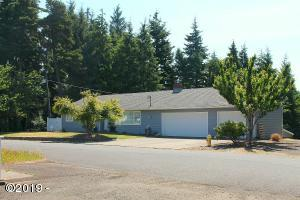 425 NE Edgecliff Dive, Waldport, OR 97394 - Front