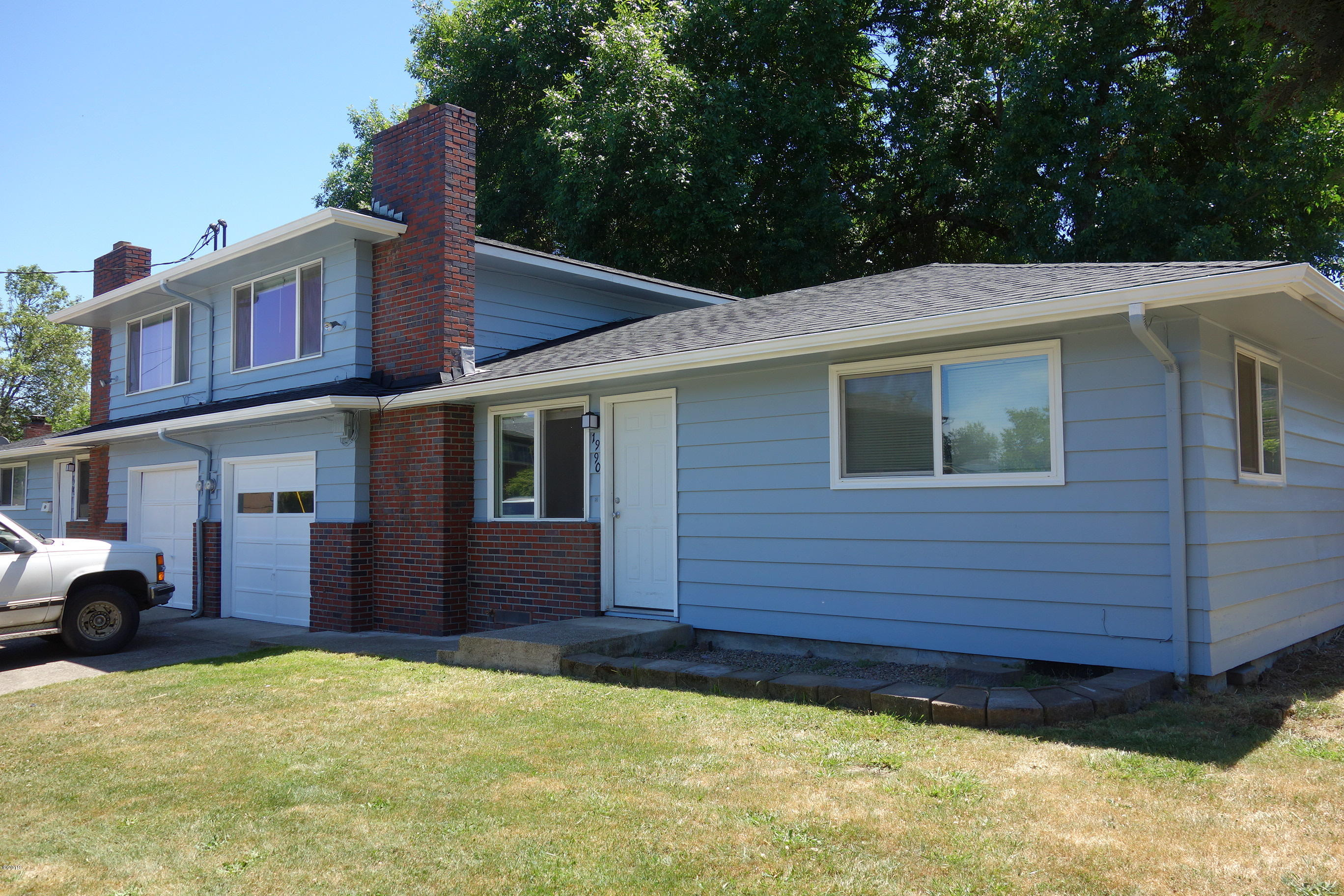 1980 W 17th Ave, Eugene, OR 97402 - Front of Duplex