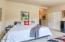 720 SE Winchell Dr, Depoe Bay, OR 97341 - Master bedroom