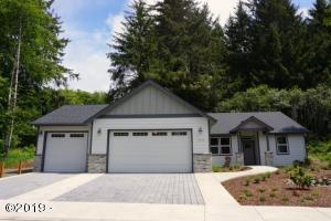 2943 NE 61st Place, Lincoln City, OR 97367 - Exterior 1