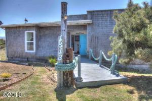 1813 NW Dolphin Lane, Waldport, OR 97394 - Nautica