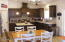 520 SE 130th Dr, South Beach, OR 97366 - Dining