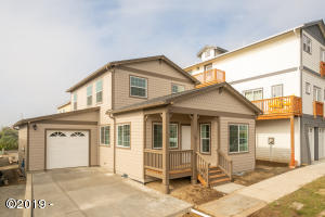 710 W Olive St, Newport, OR 97365 - 710 W Olive St