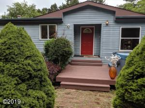 759 NW Cross St, Seal Rock, OR 97376 - pic 2