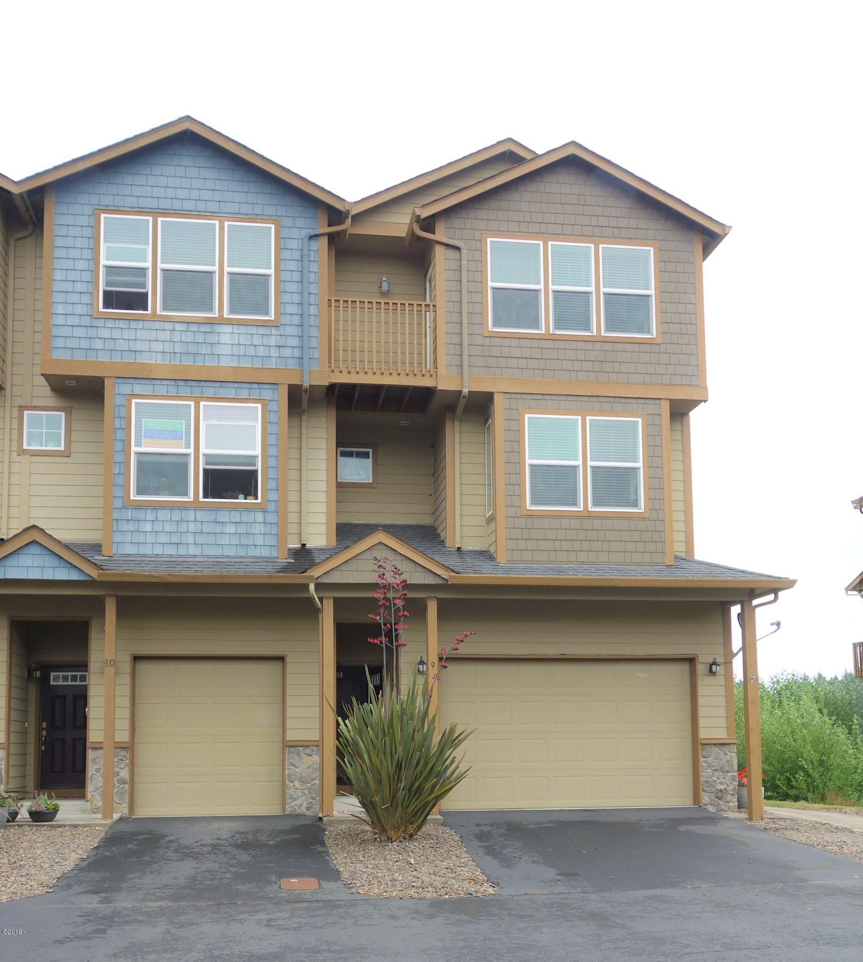 475 SE 35th, B-9, South Beach, OR 97366 - Bay Front Townhome