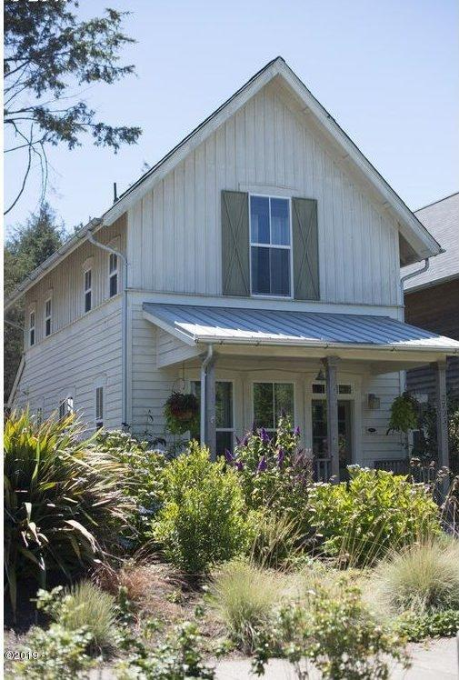 2793 SW Anemone Ave, Lincoln City, OR 97367 - Front