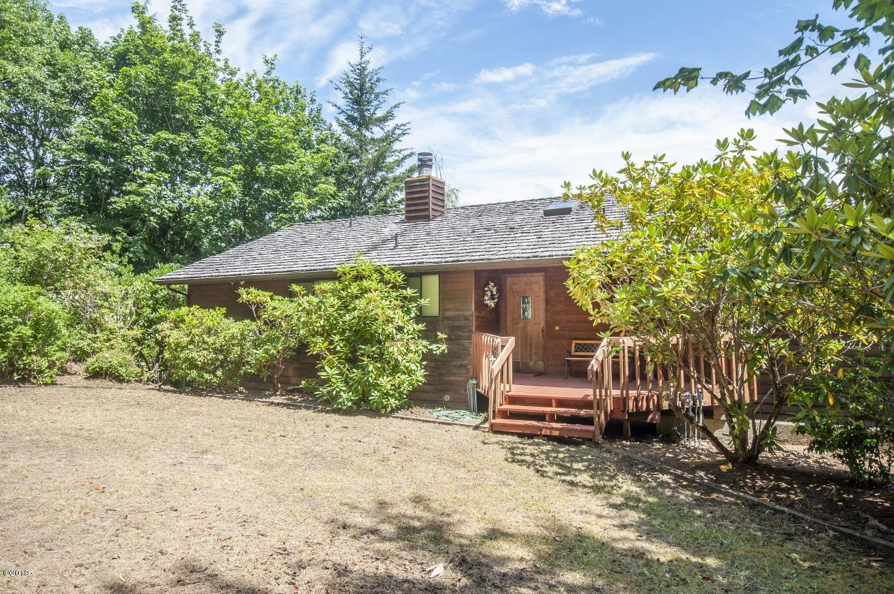 421 E Burnt Limb Lane, Tidewater, OR 97390