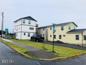 701 NW 1st St, Newport, OR 97365 - Main pic