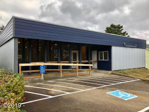 5280 NE Shell World Pl, Newport, OR 97365 - Exterior of Building