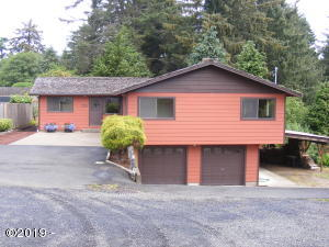 725 NE 8th St, Newport, OR 97365 - South Elevation