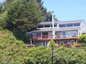820 SE 5th St, Newport, OR 97365