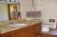 725 NE 8th St, Newport, OR 97365 - Main bath