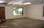 725 NE 8th St, Newport, OR 97365 - Family room