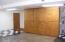725 NE 8th St, Newport, OR 97365 - Fam Rm storage