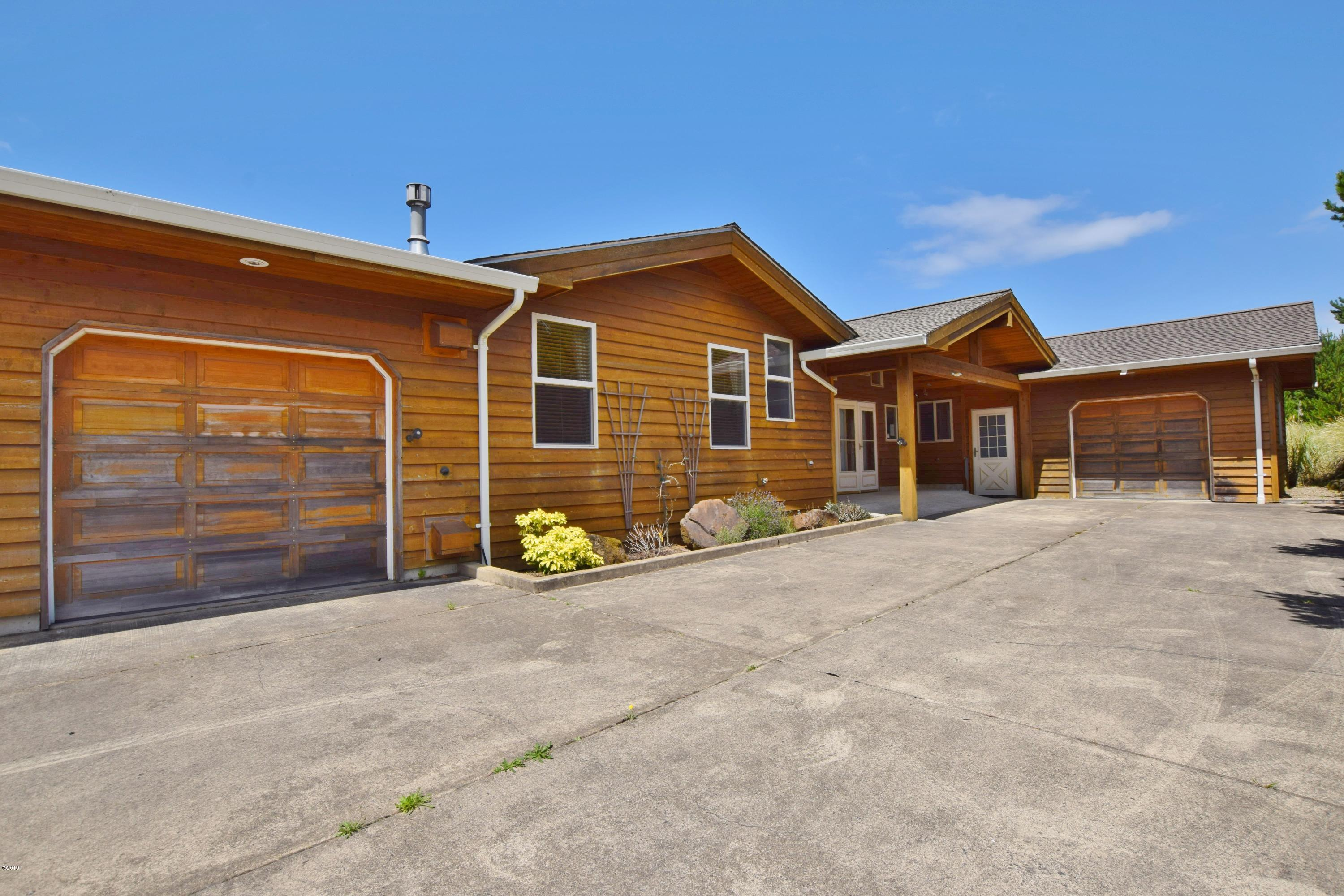 33830 Rip Tide Dr, Pacific City, OR 97135 - Front