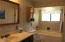 5645 Hacienda Ave, Lincoln City, OR 97367 - Master bath