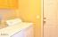 155 NW 57th St, Newport, OR 97365 - Laundry/Mud room