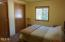 204 Bain Dr E, Tidewater, OR 97390 - Guest room