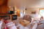 5960 Summerhouse Ln Share J, Pacific City, OR 97135 - Open concept living area
