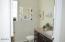 4875 N Hwy 101, L-26, Depoe Bay, OR 97341 - Bathroom