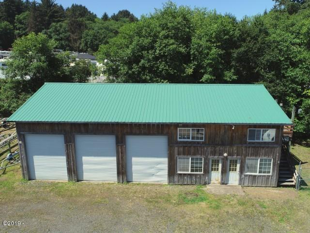 3939 NE West Devils Lake Road, Lincoln City, OR 97367 - Warehouse Building