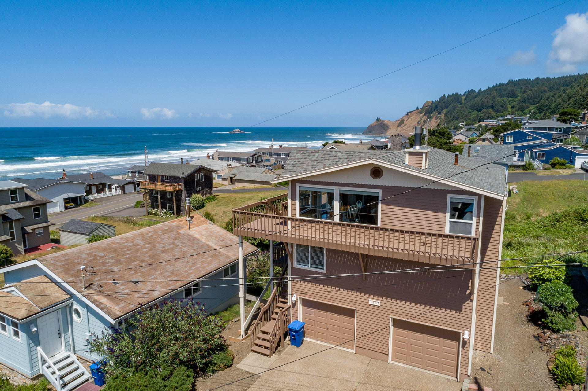 1845 NE 68th St, Lincoln City, OR 97367