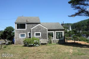 230 NW Sunset St, Depoe Bay, OR 97341 - Coastal Cottage