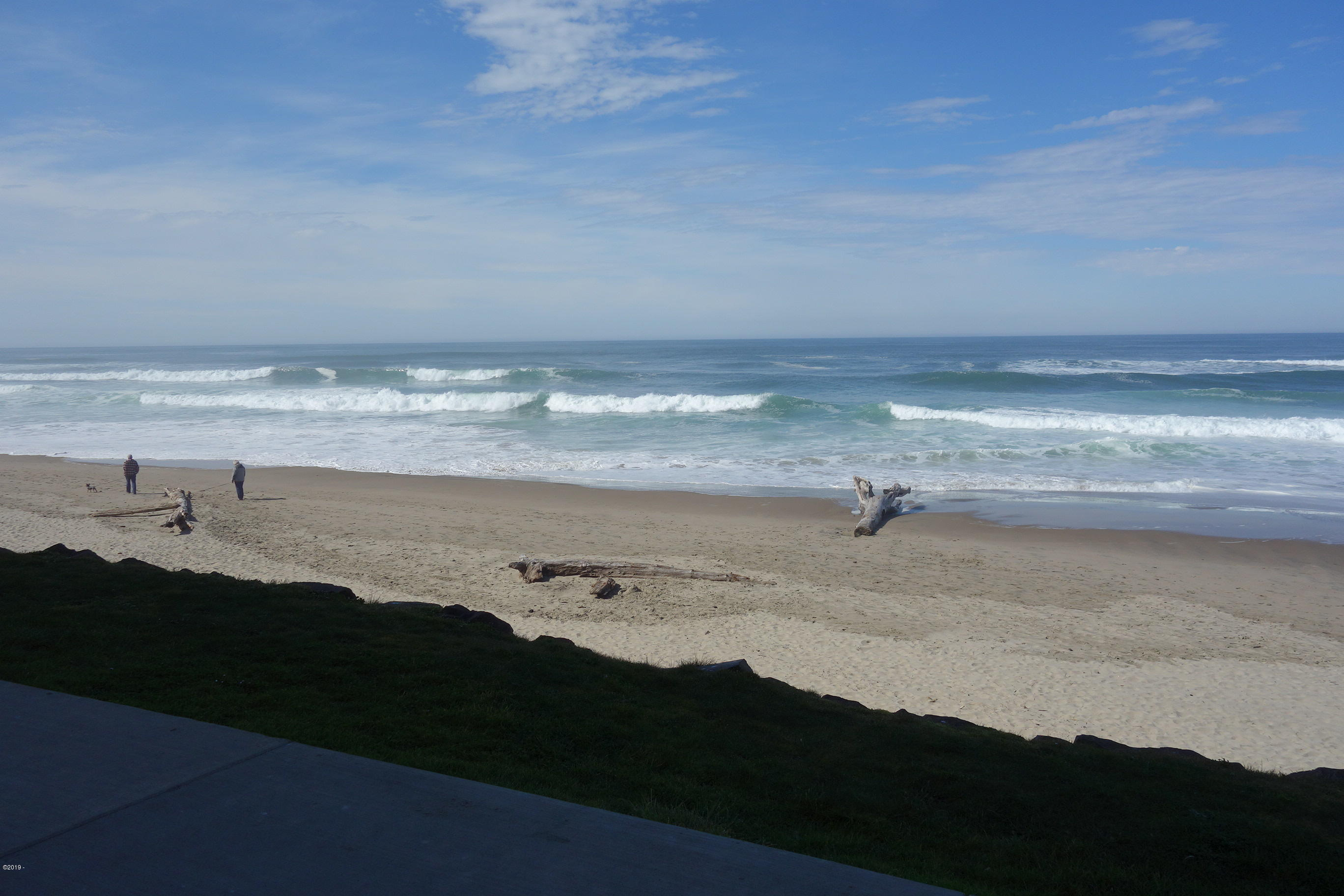 171 SW Hwy 101, 111, Lincoln City, OR 97367 - Ocean Front Condo