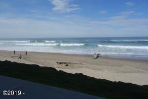 171 SW Hwy 101, 111, Lincoln City, OR 97367 - Ocean Front Condo