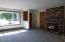 806 NE Douglas St, Newport, OR 97365 - Living room