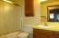 806 NE Douglas St, Newport, OR 97365 - Bath 2